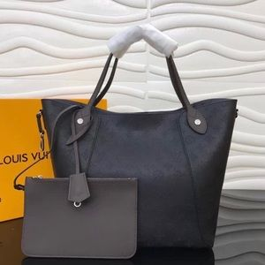 Louis Vuitton hina MM black
